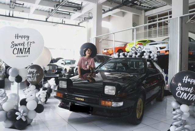 Potret Bahagia Cinta Kuya Dapat Hadiah Mobil Impian (293030)