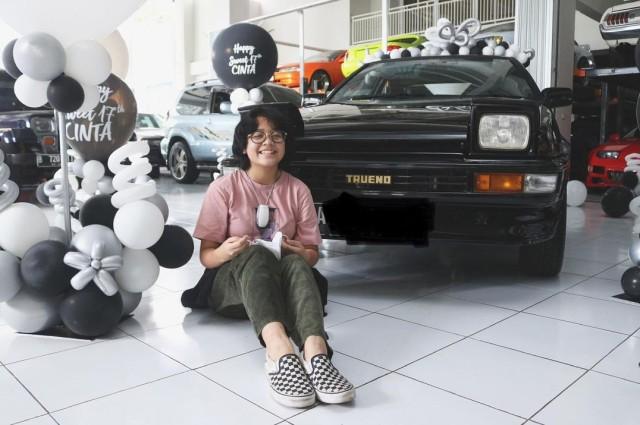 Potret Bahagia Cinta Kuya Dapat Hadiah Mobil Impian (293037)