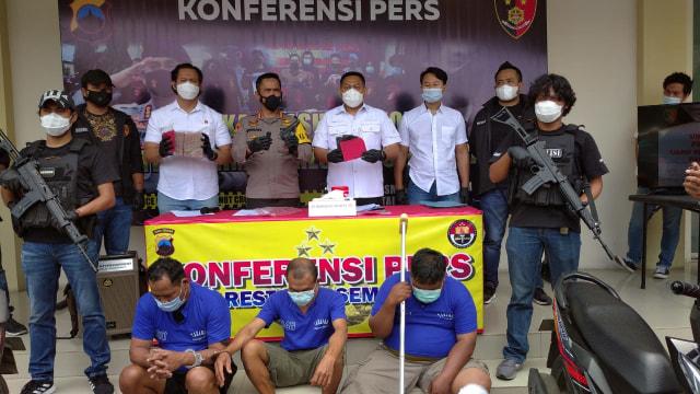 Terlilit Utang, Satpam Toko Emas di Semarang Nekat Merampok Uang Bosnya (223560)