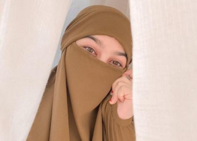 Profil Wardah Maulina, Istri Natta Reza yang Mengizinkan Suaminya Poligami (21019)
