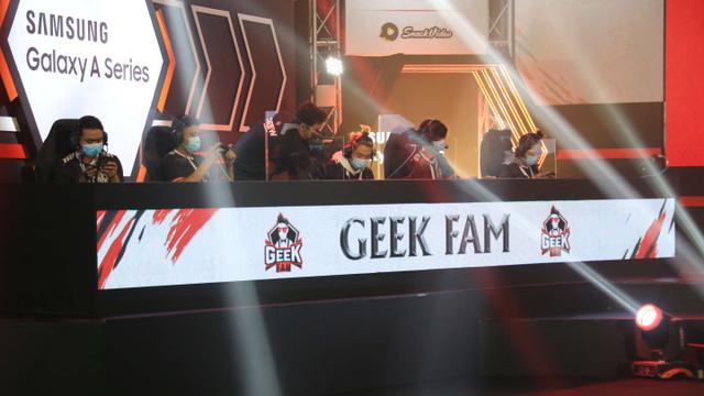 Hasil Lengkap MPL Season 7 Minggu ke-2: Onic dan Geek Fam Panen Kemenangan (200053)