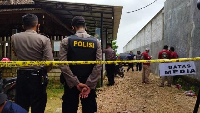 Ini Wajah Pelaku Pembunuhan Satu Keluarga Padepokan Seni di Rembang (160005)