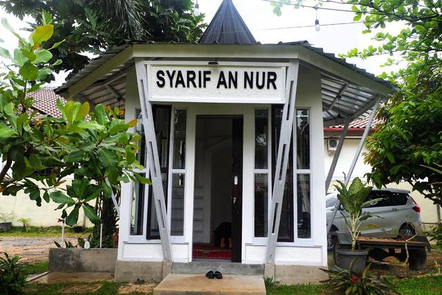 Merasakan Nongkrong dengan Konsep Garden Cafe di NL Coffee, Bandar Lampung (104214)