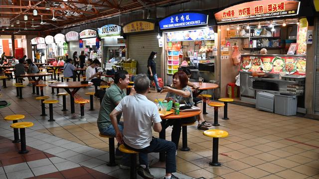 Tak Bersihkan Meja Makan Sendiri, Pemerintah Singapura Siap Denda Rp 3,2 Juta (42299)