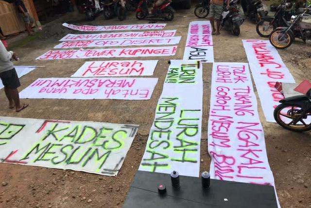 Lurah Diduga Selingkuh, Puluhan Warga Demo Kantor Kalurahan Mangunan (9049)