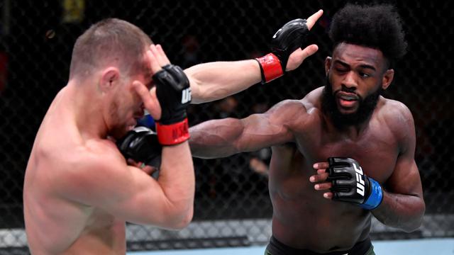Mata Belal Muhammad Tercolok, Haruskah Desain Sarung Tangan UFC Diubah? (533155)