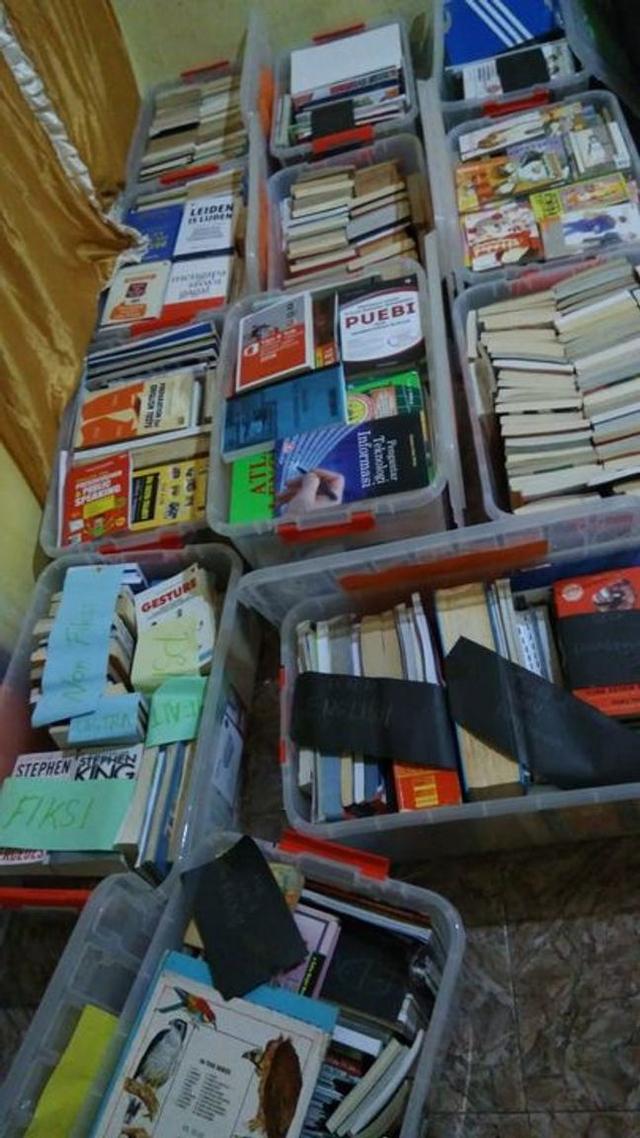 Bukuku Bukumu Project Kirimkan Buku untuk Anak-anak di Sumba Barat (142508)