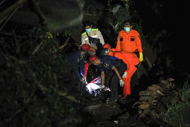 Polisi Dalami Dugaan PO Bus yang Kecelakaan di Sumedang Bayar Calo Rp 90 Juta (130505)