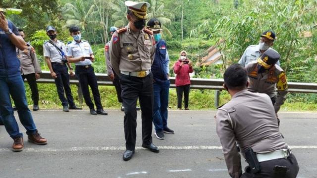 Korban Tewas dalam Kecelakaan Bus di Sumedang Bertambah Jadi 30 Orang (325560)