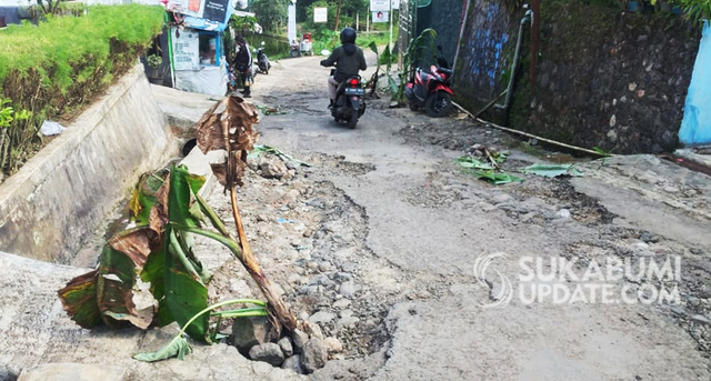 Guru Pengunggah Jalan Rusak Dipersekusi, Kades: Jangan Posting ke Medsos (309847)