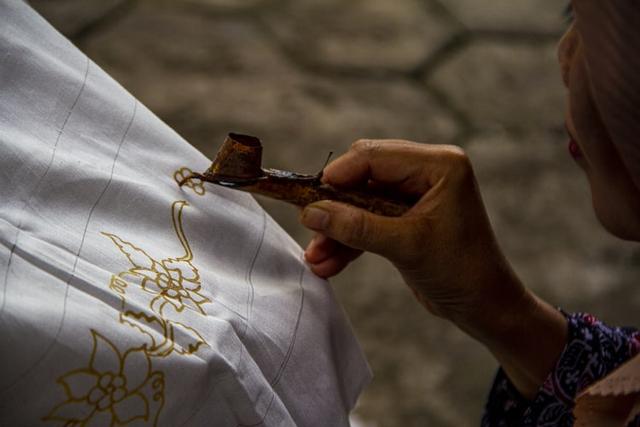 Kearifan Lokal: Pengertian, Ciri-Ciri, Fungsi, dan Bentuknya di Indonesia (108149)