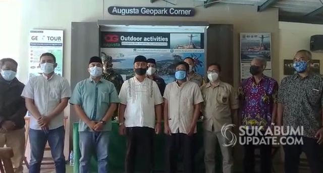 Kasus Guru Pengunggah Jalan Rusak yang Dipersekusi Perangkat Desa Berujung Islah (308130)