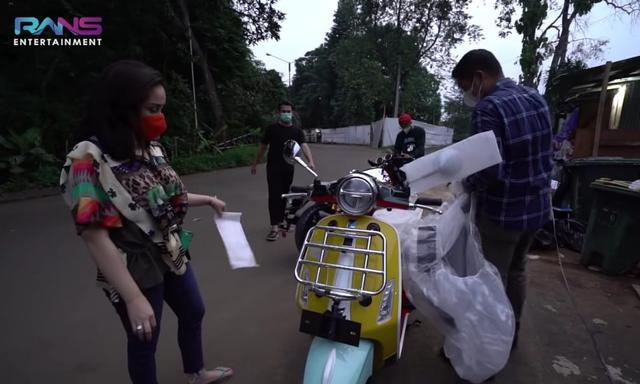 Mengaku Cuma Iseng, Raffi Ahmad Borong 2 Motor Sekaligus (51119)