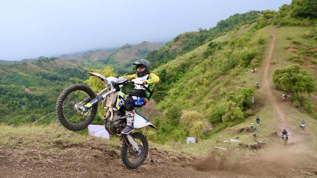 Foto: Aksi Pemotor Trail Uji Adrenalin di Paxco Aceh Full Day Adventure (318546)