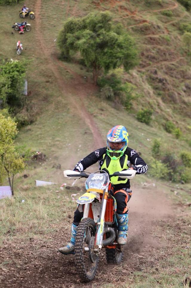 Foto: Aksi Pemotor Trail Uji Adrenalin di Paxco Aceh Full Day Adventure (318548)