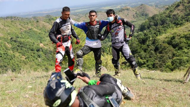 Foto: Aksi Pemotor Trail Uji Adrenalin di Paxco Aceh Full Day Adventure (318558)
