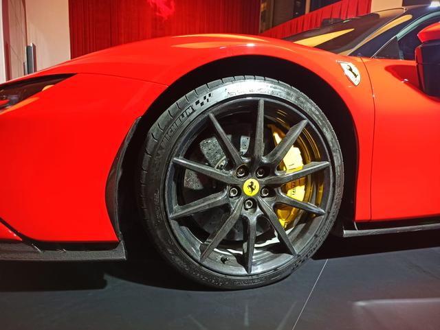 Ferrari SF90 Stradale Meluncur di Indonesia, Supercar PHEV Bertenaga 986 Dk (374805)