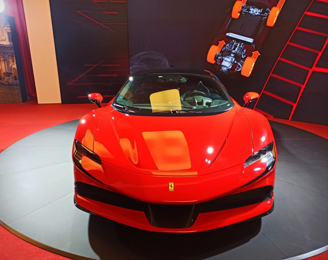 Ferrari SF90 Stradale Meluncur di Indonesia, Supercar PHEV Bertenaga 986 Dk (374809)
