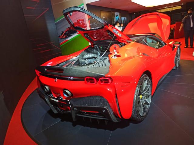 Ferrari SF90 Stradale Meluncur di Indonesia, Supercar PHEV Bertenaga 986 Dk (374806)