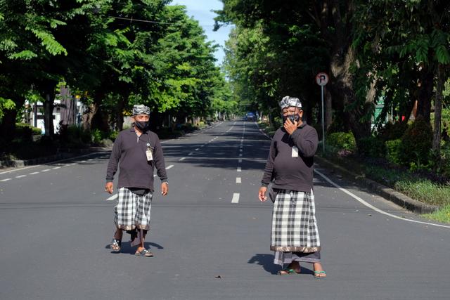 Pria di Bali Menyamar Jadi Pecalang, Peras Pemilik Toko untuk Modal Judi (244259)
