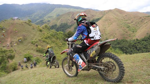 Video: Paxco Full Day Adventure Jajal Trek 'Kelok 13' Kuta Malaka, Aceh Besar (283510)
