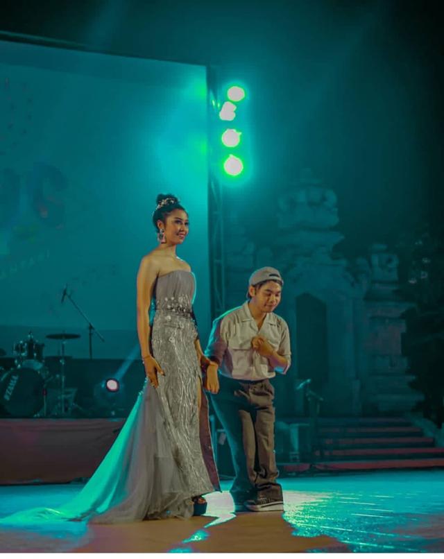 Kisah Inspiratif Krisna, Tuna Daksa yang Bergelut di Dunia Fashion Designer (60947)