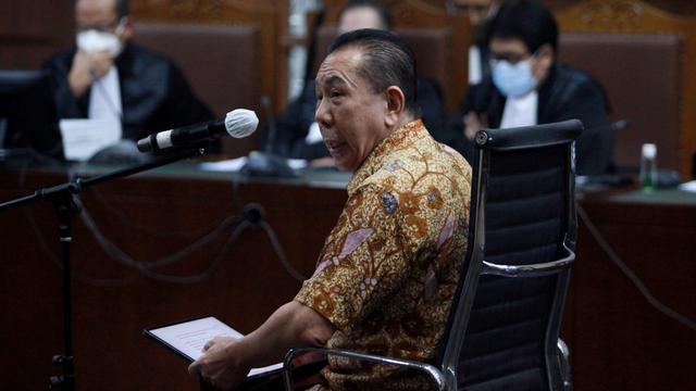 5 Berita Populer: Bansos Tunai Dipotong; Tunggal Belgia Berbahasa Indonesia (9976)