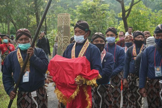Keraton Yogyakarta Gelar Labuhan Merapi Secara Terbatas di Masa Pandemi Corona (30667)