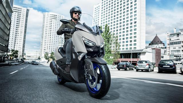 Yamaha XMAX Indonesia Punya Seragam Baru, Tantang Honda Forza 2021 (297837)