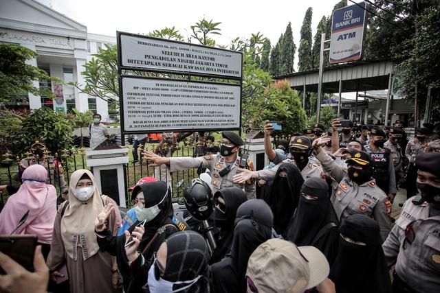 Usai Sidang RS Ummi, Pengacara Rizieq Sampaikan Permohonan Maaf ke Polisi (682550)