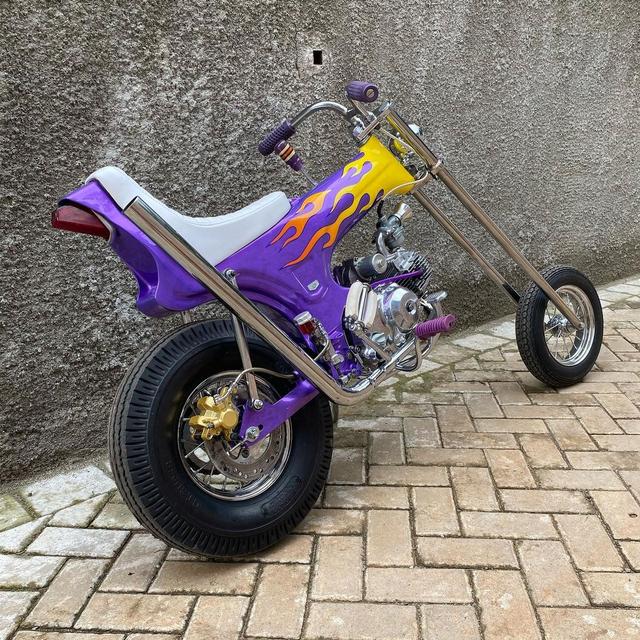 Rombak Replika Motor Mungil Honda Dax Jadi Chopper (369052)