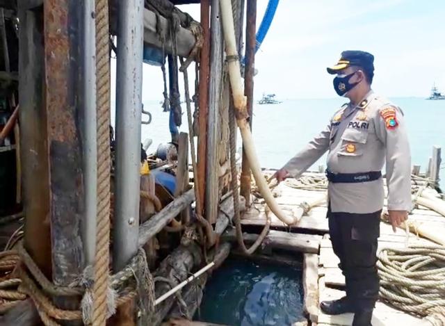 Polair Pangkalpinang Amankan 2 Mesin Tambang Liar di Perairan Tanjung Gunung (652463)