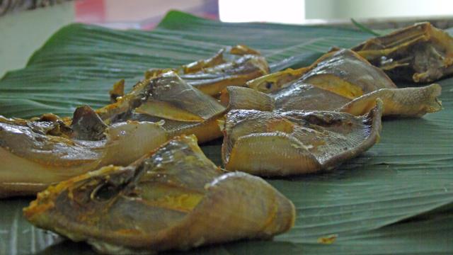 Mengintip Proses Pengolahan Ikan Asap Khas Jepara (344409)
