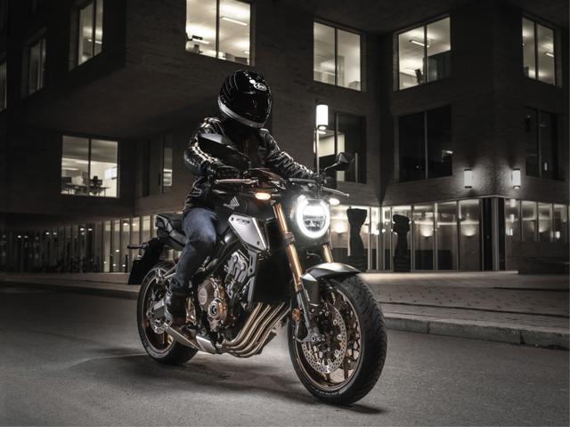 Honda CB560R Versi Indonesia Dapat Seragam Baru, Harga Hampir Rp 300 Juta (251493)