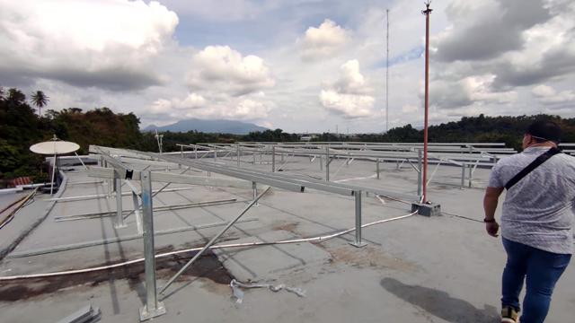 Kementerian ESDM Bangun 13 Titik PLTS Atap di Sulawesi Utara  (128573)