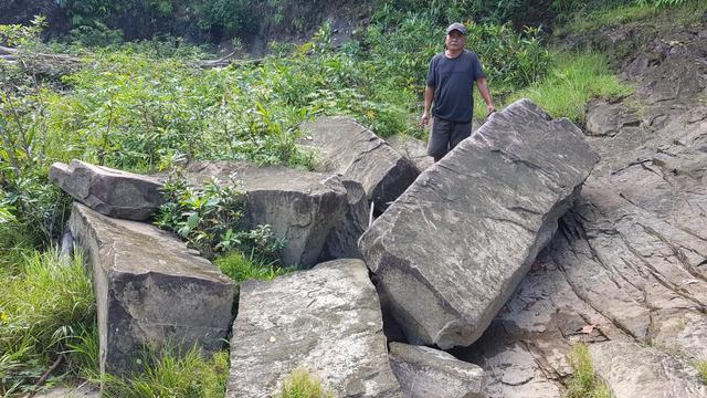 Kisah di Balik Kolam Wisata Bunga Lita dan Situs Batu Babi di Kapuas Hulu (851648)