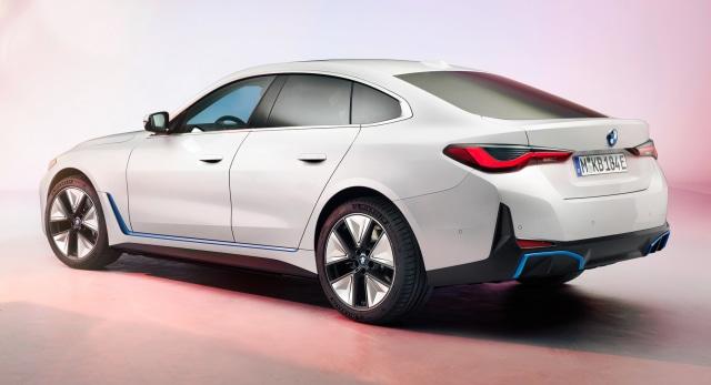 Perkenalkan, Mobil Listrik BMW i4! (381562)
