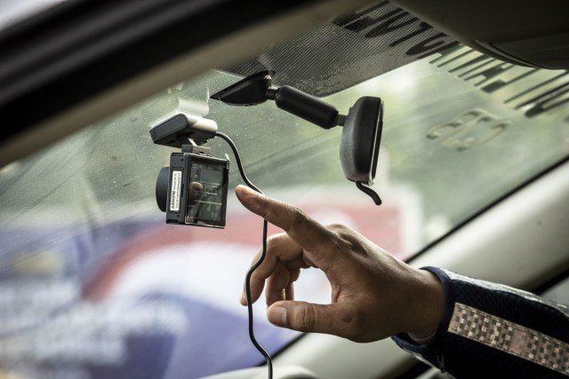 ETLE Mobile Diluncurkan, Kamera Terpasang di Seragam Polisi dan Dashboard Mobil (263846)