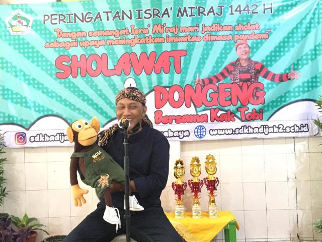Peringati Isra Miraj, SD di Surabaya Gelar Salawat dan Dongeng Bersama (195181)