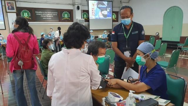 Sentra Vaksinasi Serviam Targetkan 30 Ribu Lansia Disuntik Vaksin Corona (45731)
