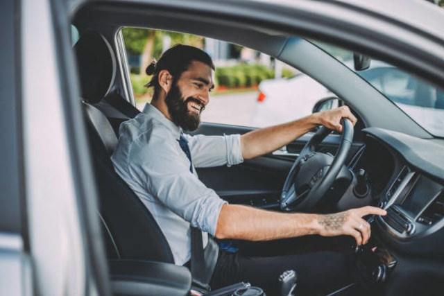 Trik Jago Kendarai Mobil Manual, Ini Cara Mudah Agar Perpindahan Gigi Jadi Halus (409071)