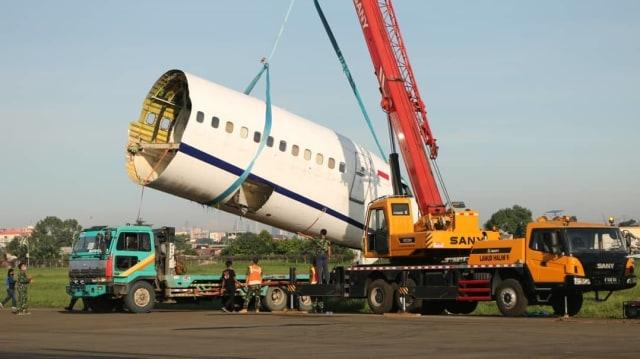 Nasib Trigana Air yang Tergelincir di Bandara Halim: Dipotong Lalu Dievakuasi (399016)