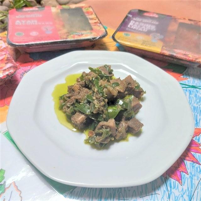 Makan Siang Nasi Panas Pakai Lidah Cabai Hijau Empuk nan Gurih, Hmm Sedap! (382001)