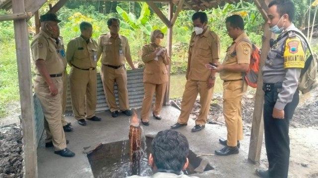 Dinas ESDM Jawa Tengah Terjunkan Tim untuk Meneliti Sumur Aneh di Karanganyar (472943)