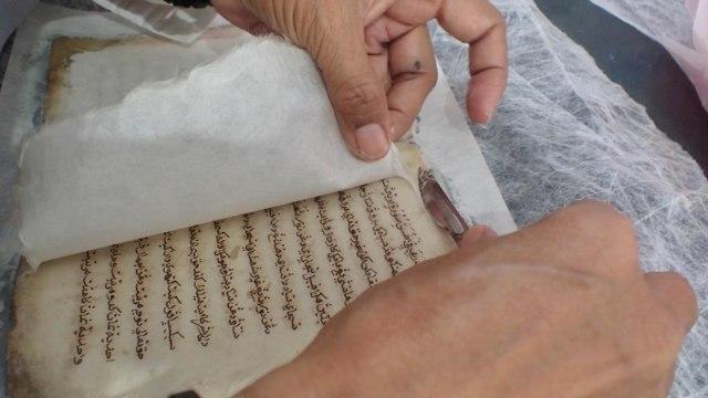 Foto: Menyelamatkan Manuskrip Kuno Aceh, Harta Warisan Tak Ternilai Abad ke-16 (352894)