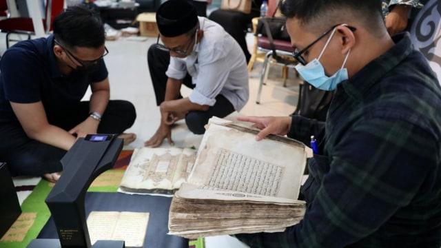 Foto: Menyelamatkan Manuskrip Kuno Aceh, Harta Warisan Tak Ternilai Abad ke-16 (352895)