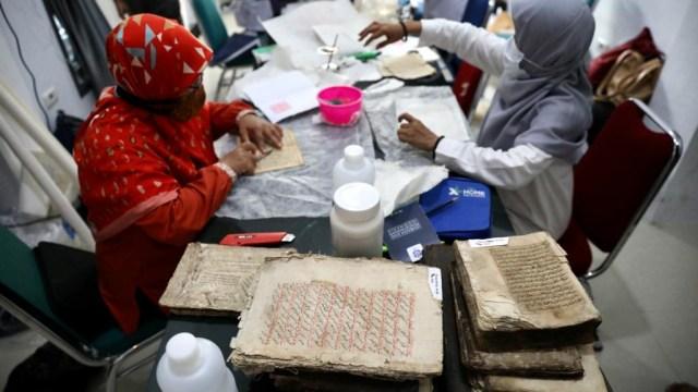 Foto: Menyelamatkan Manuskrip Kuno Aceh, Harta Warisan Tak Ternilai Abad ke-16 (352896)