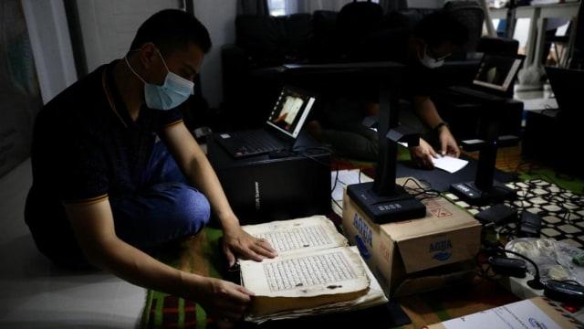 Foto: Menyelamatkan Manuskrip Kuno Aceh, Harta Warisan Tak Ternilai Abad ke-16 (352898)