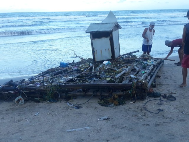 Sampah Kiriman dari Pesisir Pantai Selatan, Bali, Kembali Kotori Pantai Kuta (482463)