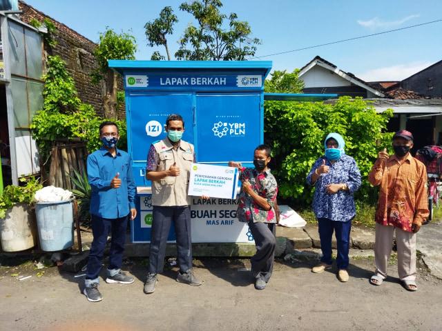 "Bantu UMKM Disabilitas, YBM PLN UP3 Demak & IZI Jateng Salurkan ""Lapak Berkah"" (106951)"